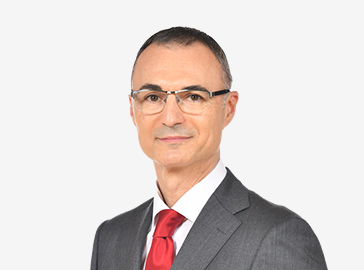 イヴァン トリノス